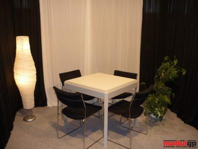 Dohányzó asztal, 4db Tallin székkel