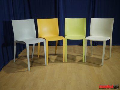 Műanyag szék (szürke, narancssárga, zöld, fehér)
