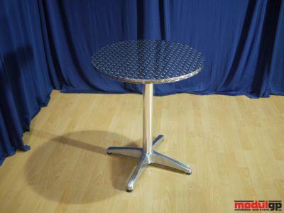 Kültéri alu asztal