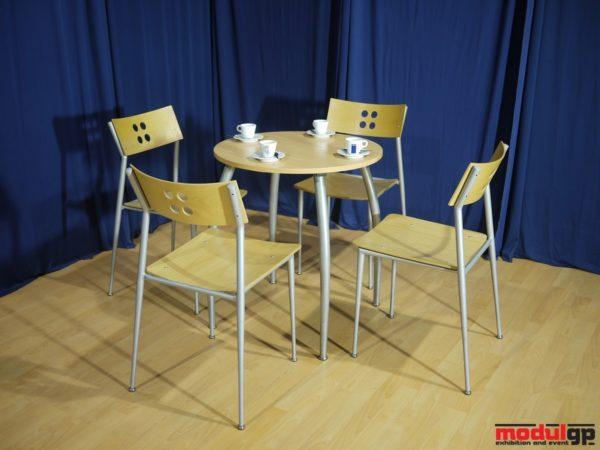 Alex asztal, 4db fémvázas, falapú székkel