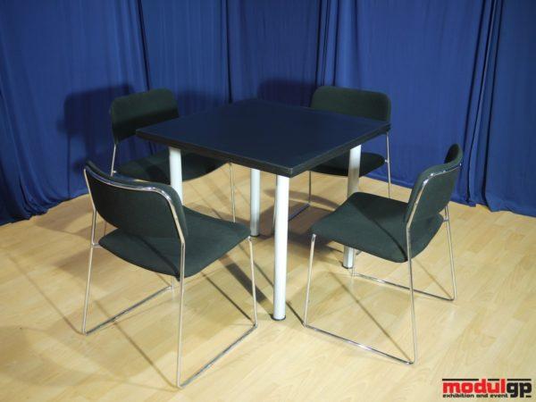 Fekete fedlapú asztal, 4db Tallin székkel