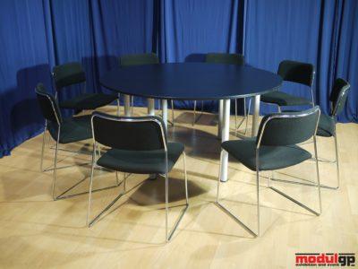 Fekete kerek asztal, 8db Tallin székkel